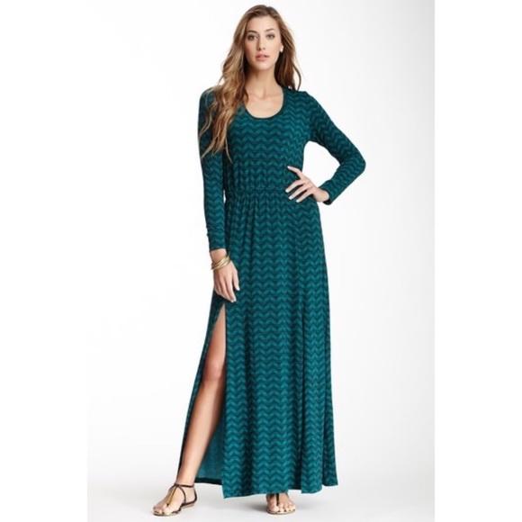 a25286068c1d Veronica M Long Sleeve Chevron Slit Maxi Dress. M_5b8356385bbb80773680e688